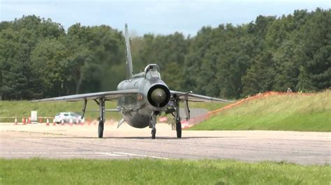 fast jets and other english electric lightning scramble and other jets fast taxi runs at bruntingthorpe 15th july