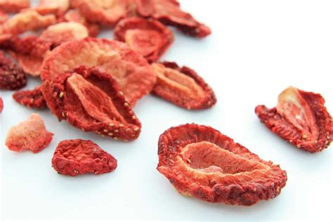 making dehydrated strawberries in a dehydrator