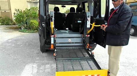 auto per disabili con pedana doblo trasporto disabili con tetto alto e pedana