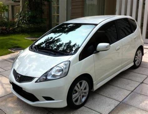 Kas Rem Mobil Honda Jazz Rs perbandingan honda jazz tipe s dengan rs berdasarkan spesifikasi dan harga hargamobiloke