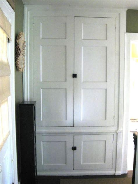 built  linen closet  hallway closet built ins