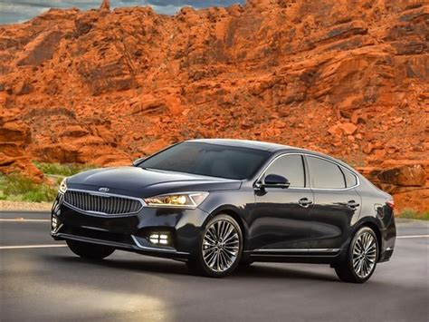 Kia Cadenza Luxury Package 2017 Kia Cadenza Limited Review Kelley Blue Book