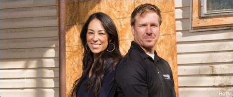 joanna gaines reveals her secret trick for keeping a clean chip gaines and joanna gaines new fixer upper behind