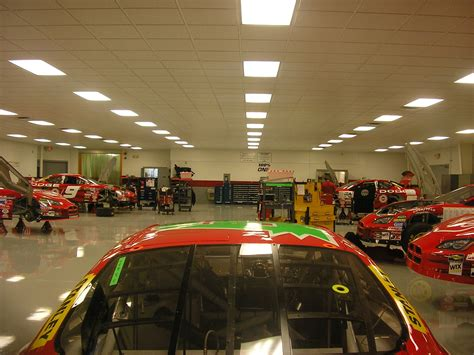 Nascar Garage by File Evernham Motorsports Nascar Garage July 9 2005 Jpg