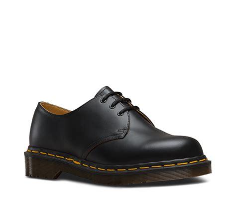 dr martens mens sandals sale dr martens store mens dr martens vintage 1461 black