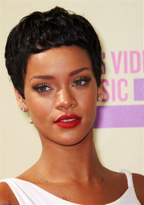 Rihanna Curly Hairstyles by Rihanna Curly Hairstyle Behairstyles