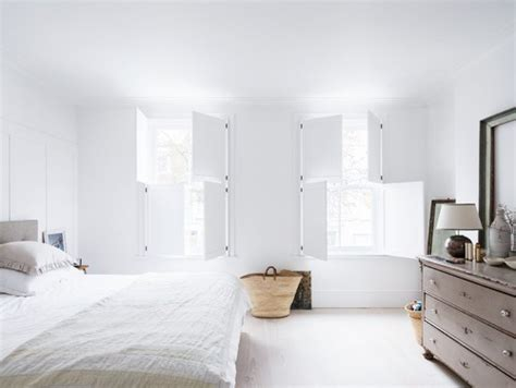 keep it all in white in the bedroom when theres no room how to decorate an all white bedroom how to decorate a
