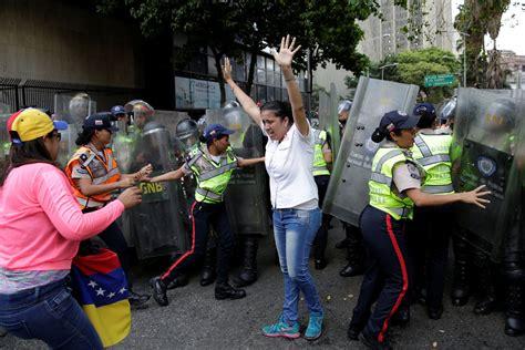 imagenes protestas venezuela protesta pac 237 fica y represi 243 n ante ruptura del hilo
