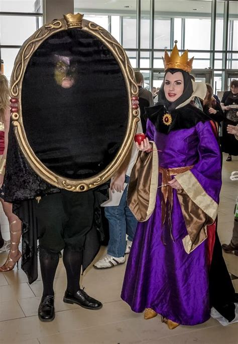 evil queen  magic mirror cosplay  petitemascarade