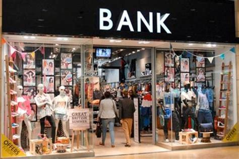 Bank Fashion Chain Collapses Into Administration Leaving