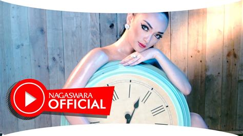 download mp3 dangdut zaskia tarik selimut zaskia gotik tarik selimut official music video hd
