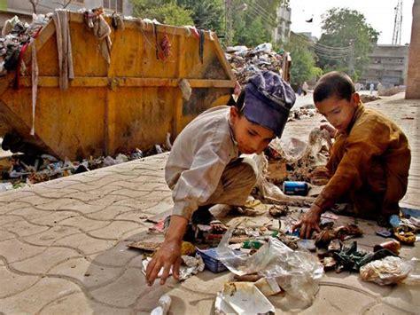 imagenes niños trabajando en la escuela la calle no es su lugar para los ni 241 os d 237 a mundial contra