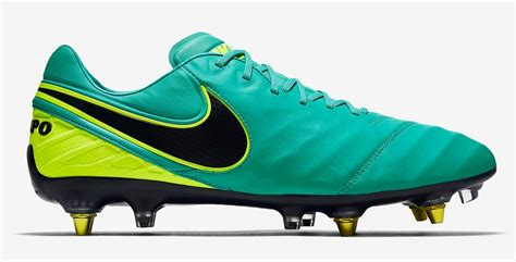 wide football shoes the best football boots for wide footy boots