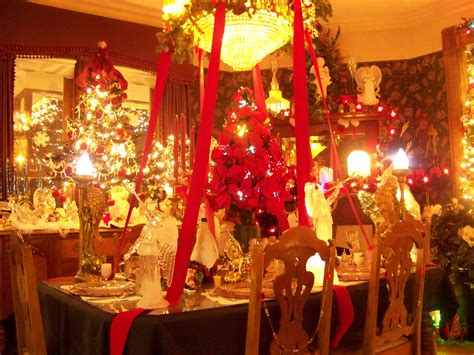 beautifully decorated homes for christmas 301 moved permanently