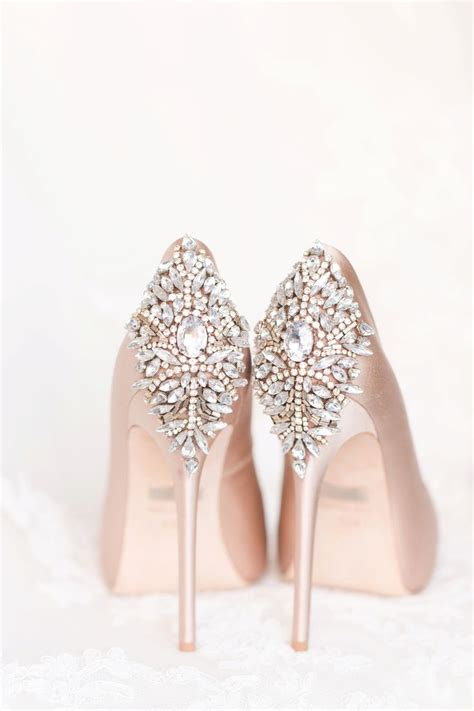 Shoes For Wedding Gown by 25 Best Ideas About Wedding Shoes On Wedding
