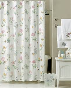 Find country style shower curtains for your bathroom