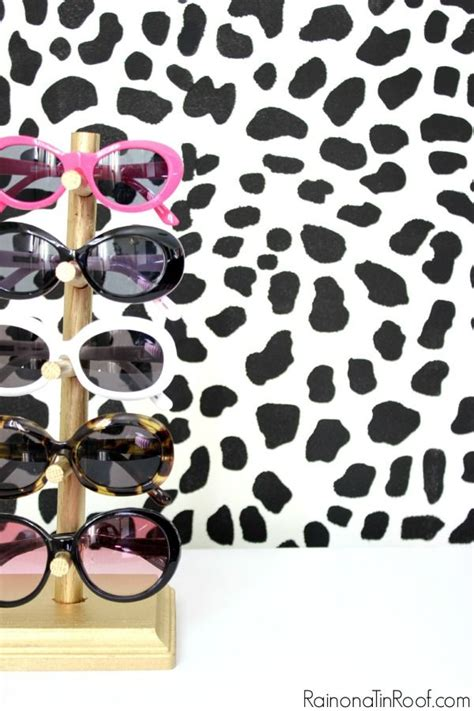 Diy Sunglasses Rack by 17 Best Ideas About Sunglasses Holder On