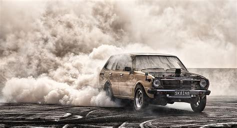 burnout car skid  photo  pixabay