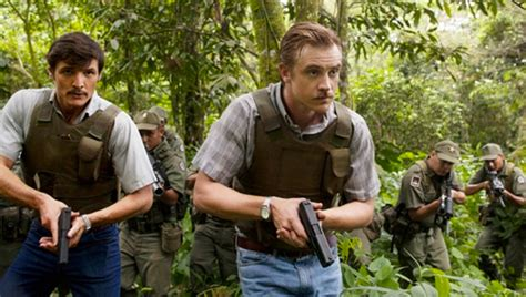 The Place In Flames Tv Reviews Narcos The Palace In Flames S1e04 Tv Eskimo