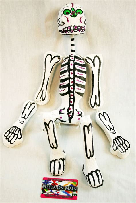 paper mache skeleton sml 25x6in alamo