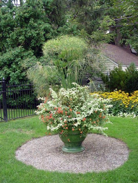 Garden Focal Point Ideas Garden Focal Point Garden Ideas Pinterest Focal Points Gardens And Butterfly Bush