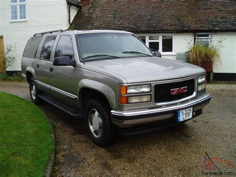 chevrolet suburban 8 seater left hand drive gmc chevrolet suburban 8 seater 4x4 5 4 v8