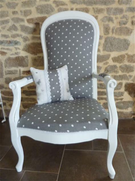 fauteuil rockincher les 25 meilleures id 233 es de la cat 233 gorie fauteuil voltaire sur retapisser un fauteuil