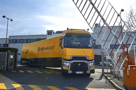 renault f1 tank biglorryblog the range t is heading for the f1 paddocks