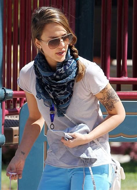 jessica alba tattoo alba flashes and mirror