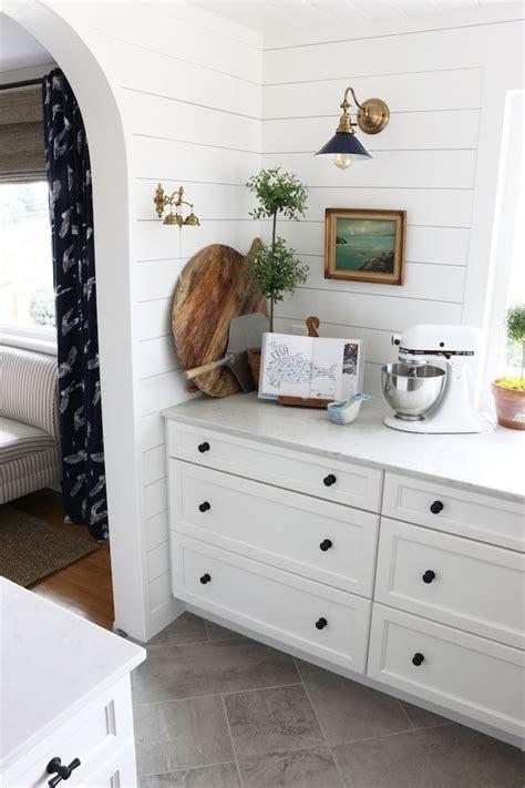 small kitchen redo ideas best 25 galley kitchen redo ideas on small