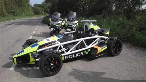 fastest police car to protect and swerve the world s 10 fastest police cars
