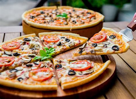 pizza with in crust 25 best and worst frozen pizzas eat this not that