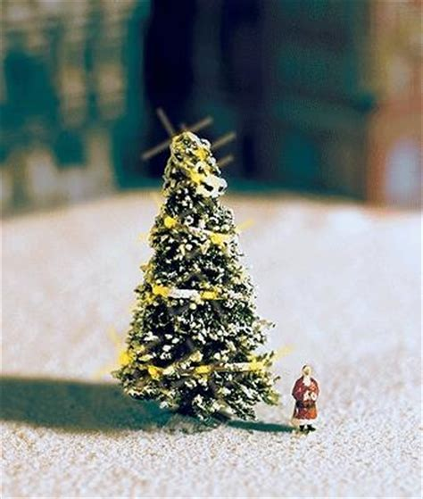 aromatic scale christmas trees tree w lights n scale model railroad tree 33910 by noch 33910