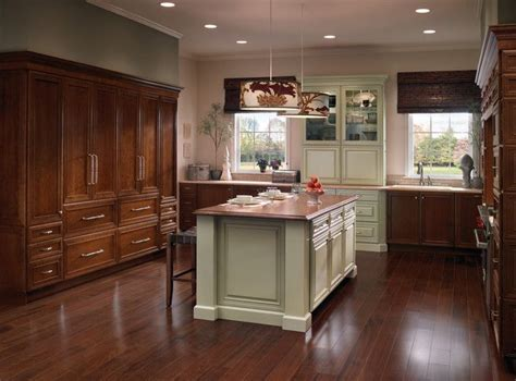 Kraftmaid Kitchen Islands Pin By Kraftmaid Cabinetry On Kitchens Luxe Transitional