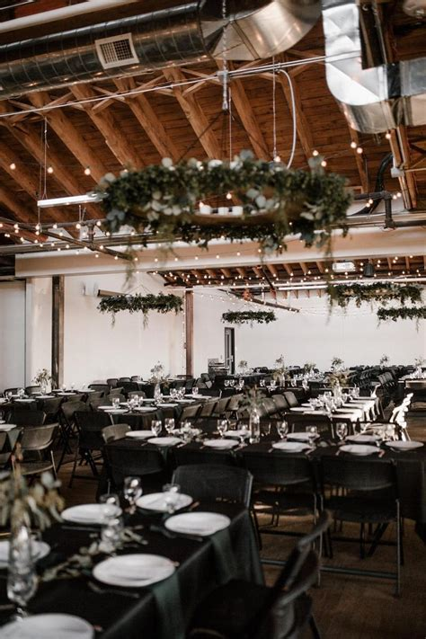 The Living Room Weddings   Get Prices for Wedding Venues