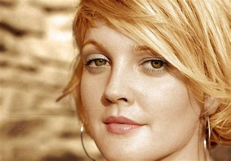 27 Fancy Short Hairstyles For Women With Round Faces | 2018 latest drew barrymore short haircuts