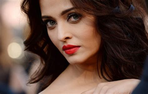 most beautiful actresses eyes top 10 most beautiful eyes in bollywood 2018 world s top