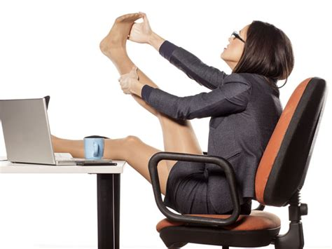 Burn Calories While Sitting At Desk by How To Burn Calories Sitting At Your Desk Boldsky