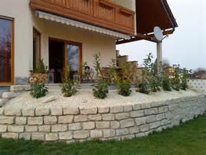 terrasse auf stelzen am hang terrasse balkon terrasse mediterranes haus zimmerschau