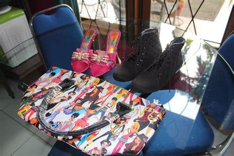 Paling Laris Sepatu Wanita Wedges Boots Sk01 sepatu boots dan tas pesanan pada tanggal 28 april 2014