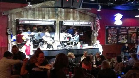 the shout house dueling pianos at the shout house picture of shout house dueling pianos minneapolis