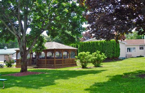 Cabins In Saratoga Springs Ny by Pet Friendly Lodging Saratoga Springs Ny Policies