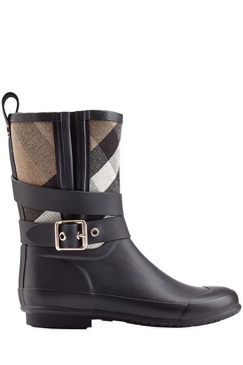 burberry boots burberry holloway rubber boots black in black lyst