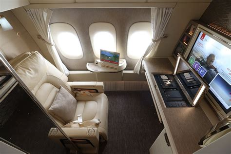 emirates new first class suite review emirates new first class suite on b777 300 er