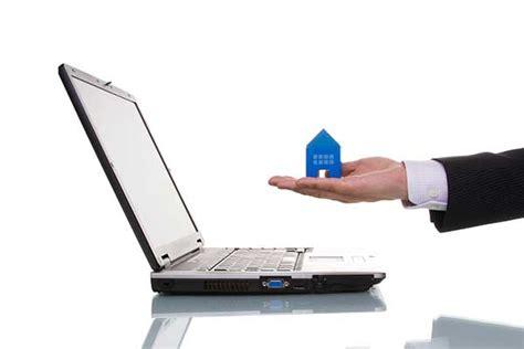 Buying Insurance Online Versus Buying Through an Agent