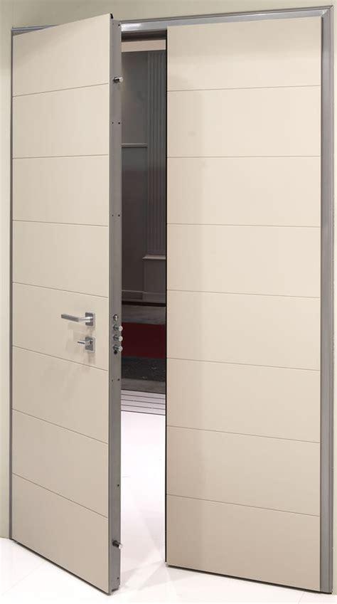 porta a doppio battente elegantemente sicura classe 3 nuova raffinata porta