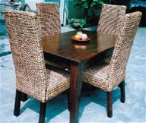 Water Hyacinth Dining Chairs Gliss Brown Dining Set Flat Water Hyacinth Chair And Mahogany Table Andana Traderscity