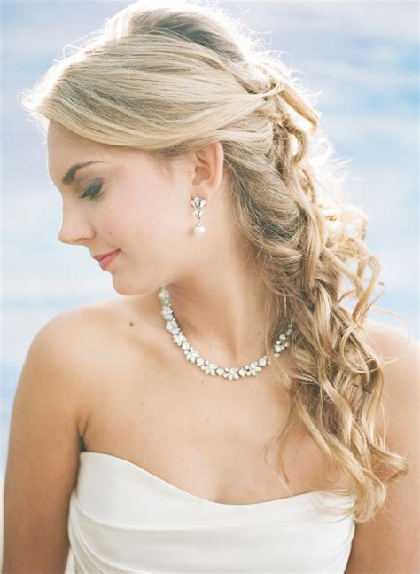 7 Best Necklaces For Your Wedding by How To Choose Your Wedding Jewelry Every Last Detail