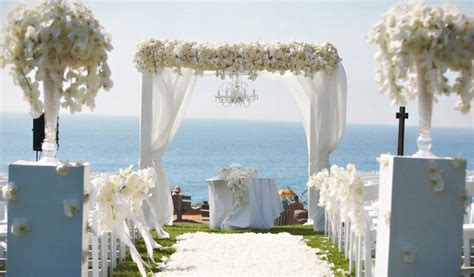 Wedding Altars Mind Blowing Aisle Decor Belle The Magazine