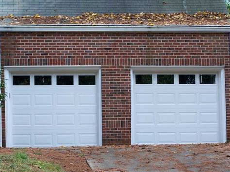 installer une porte de garage basculante maisonapart